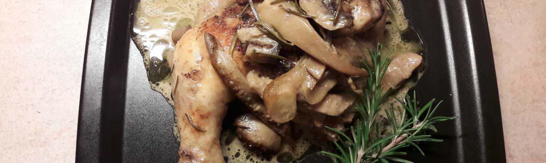 Μπούτια κοτόπουλο με μανιτάρια πλευρώτους και σος λεμονιού