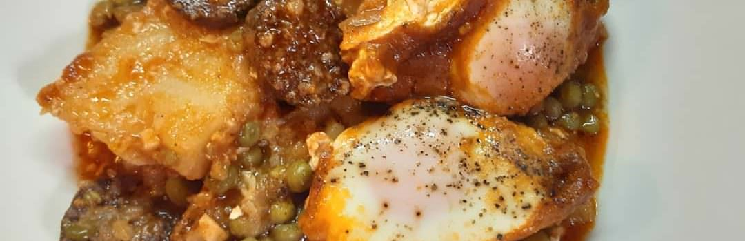 Green Peas with sausage and eggs