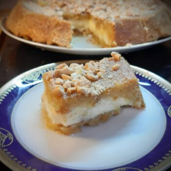 Maamoul Mad (lebanese semolina cream dessert)