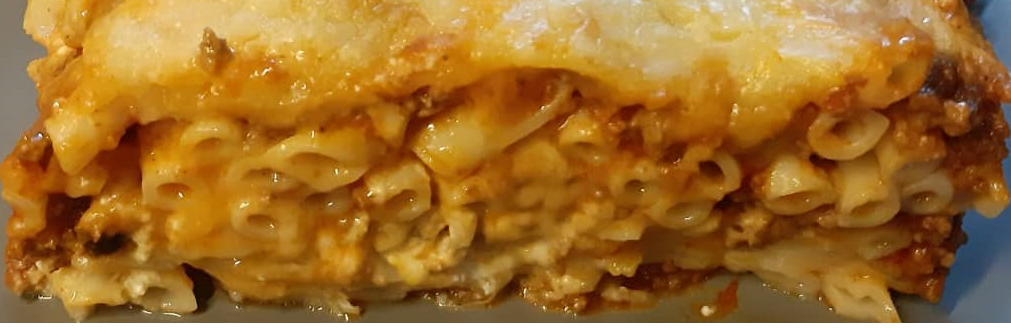 Oven baked pasta with Greek yogurt and cream cheese